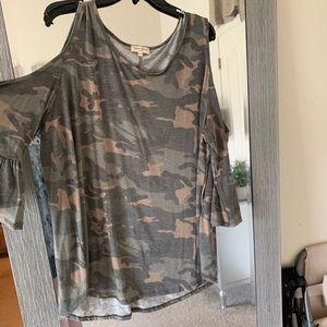 Camouflage cold shoulder top, 2X